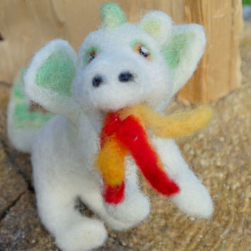 felt dragon, handmade, custom order dragon, needlefelt white dragon, lucky dragon, woolfelt dragon, miniature dragon, fairytale, waldorf