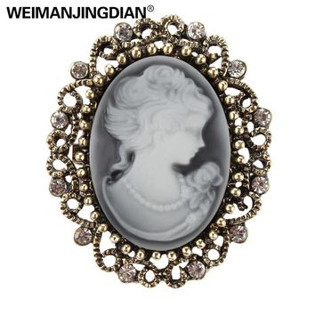 Factory Direct Sale Vintage Queen's Cameo Crystal Brooch Pins for Women in Antique Gold color