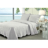 Full / Queen Seashells 3 Piece Cotton Quilt Set in White with Scalloped Edges