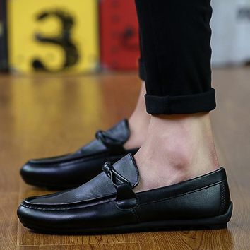2018 Fashion Summer Men Shoes White Casual Shoes Slip On Moccasins Men Loafers Pu Leather Shoes Black Flats Male Chaussure Homme