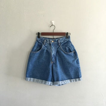 SALE Vintage 1980s jean shorts Gitano jean shorts cuffed jean shorts highwaist shorts size small