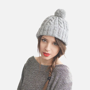 Grey cable knit beanie hat with pom pom, unisex ski hat / Hand Knitted