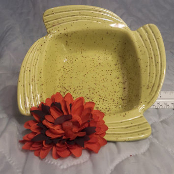 Don Jay of California Ceramics Pottery Speckled Avocado Green Bowl Dish Modern Art Deco Eames era 1950