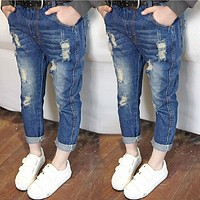 Hurave 2017 new fashion autumn jeans boys girls elastic waist kids broken jeans children denim pants boy