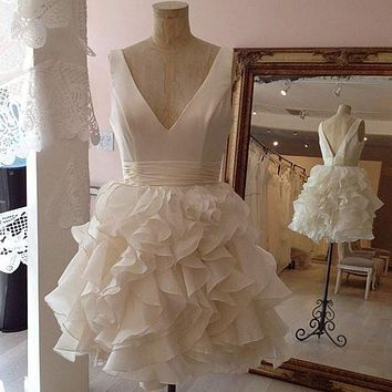 MDBRIDAL Short White Cocktail Dress Ball Gown V-neck Backless Party Dress with Ruffles Custom Size