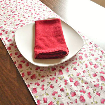 Valentines Table Runner Hearts Roses Pink Green Buffet Reversible Valentine Decor