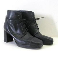 vintage leather ankle boots. leather granny boots. black witches boots. women's size 7.5