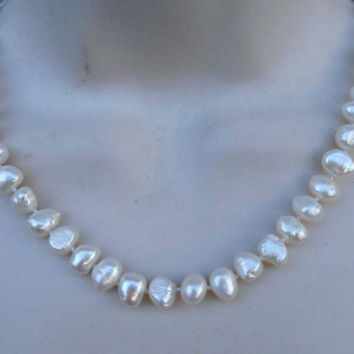 """Persian Gulf Pearl Necklace, 14K Gold Clasp, Hand Knotted, 18.5"""" Long"""