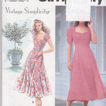 Vintage Simplicity pattern for reproduction 40s fit and flare dress with sweetheart neckline misses size 6 8 10 Simplicity 7803 UNCUT