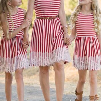 Red-White Striped Lace Shoulder-Strap Round Neck Homecoming Party Sweet Midi Dress
