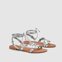 STAR LEATHER SANDALS DETAILS
