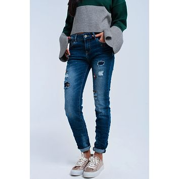 Straight jeans with flower pearls