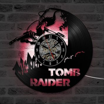 Classic Wall Art Hollow Creative CD Record Hanging Wall Clock Tomb Raider Antique Style Vinyl Record LED Clock Home Decor 7color