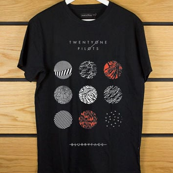 twenty one pilots blurryface Short sleeved black t shirt