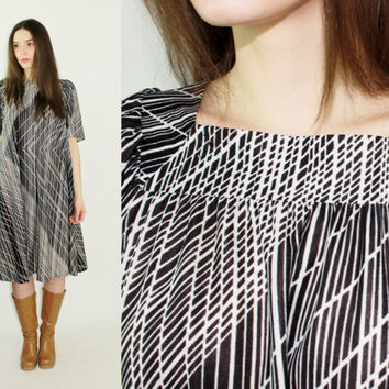 70s tent dress black and white optical illusion pattern square neck sheer festival dress a line midi dress boho dress hippy dress MEDIUM M