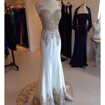 Elegant Beaded Applique Long Prom Dresses