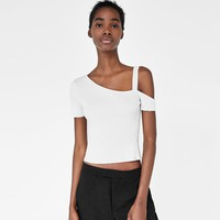 RIBBED ASYMMETRIC TOPDETAILS