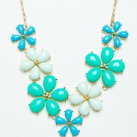 Daisy Daydream Necklace in Mint - ShopSosie.com
