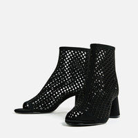 HIGH-HEEL MESH ANKLE BOOTS DETAILS
