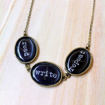 read write repeat necklace