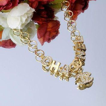 ONETOW Chanel Woman Fashion Logo Diamonds Necklace