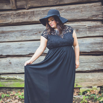 WEB EXCLUSIVE: PLUS SIZE: Ballroom Beauty Dress in Black