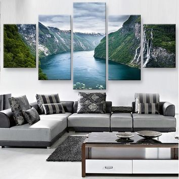Between the Mountains Canvas Set