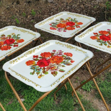 Toleware TV Tray Table Set with Rolling Stand