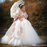 Vintage Flower Girl Dresses for Weddings Ball Gown Tulle Appliqued Crystal Big Bow Girls Pageant Dress 2016 Communion Gowns FG44