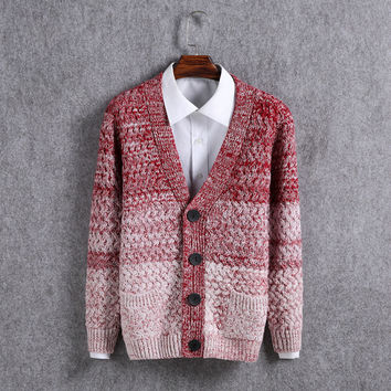 2017 New Wild Mens Knitted Cardigan Fashion Gradient Color Long Sleeve Men's Knit Sweater Casual V-Neck Button Men Sweaters
