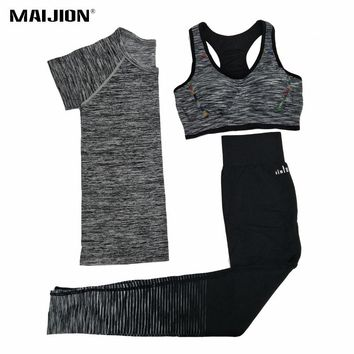 Women's Quick Dry Yoga Sets for Gym Running Yoga T-Shirt Tops & Sports Bra Vest & Fitness Pants Workout Sports Suit Set FREE SHIPPING