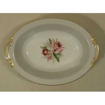 Noritake 5049 Vintage Serving Bowl Oval 10 1/2in x 7 1/2in x 2 1/2in China Gold Rim -- Used