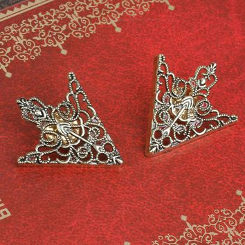 DoreenBeads 2017 New Fashion Silver Color Tie Tac Lapel Pin Brooches Antique Bronze Arrowhead Filigree ForWomen Coats Cloth1Pair