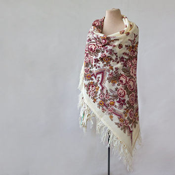 Russian scarf, white wool shawl, with pink roses, tasseled shawl, bohemian shawl, floral wool shawl, gypsy shawl, pastel neutral shawl rose