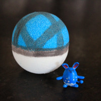 Net Ball Bath Bomb with a Pokemon inside!