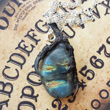 Stolen Treasure labradorite necklace black friday