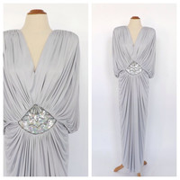 Vintage 1970s does 1920s Silver Gray Coffin Draped Grecian Dress Size Medium Art Deco Sculpture Gown 1930s Fitted Old Hollywood Prom
