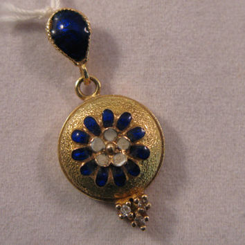 Vintage 18k Yellow Gold Enameled pendant - FREE 9k Yellow Gold Chain