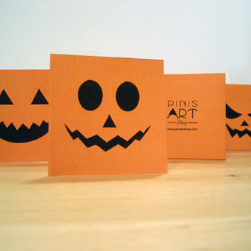 set - 4 super cute mini HALLOWEEN cards - Use as cards or decoration for your halloween party