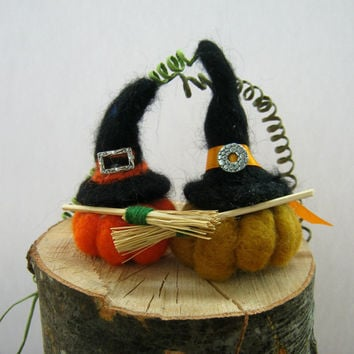 Halloween witch hat, Halloween witch decor, Halloween pumpkins, Halloween decor, pumpkin mobile, pumpkin decor, Halloween party, felt pumkin