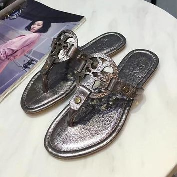 Tory Burch Patent Leather Collection Classic Fashion High Quality Summer Thong Sandals F-ALS-XZ silver
