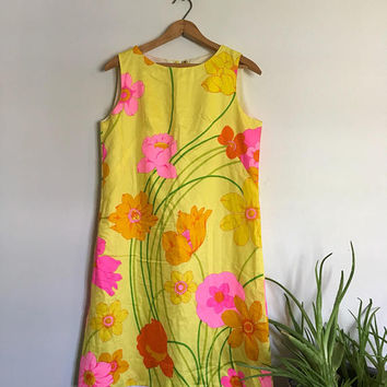 Vintage Hawaiian Lemon Yellow Neon Hot Pink psychedelic Funky Shift Dress