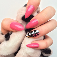 Doobys Ring Finger Stiletto Pink Aztec - 24 Hand Painted False Stiletto Nails