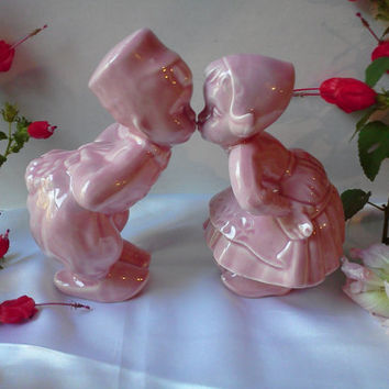 Shawnee Vintage Large Kissing Dutch Boy and Girl Pink Porcelain Pottery Figurines 1940s Home Decor Collectable Excellent Condition