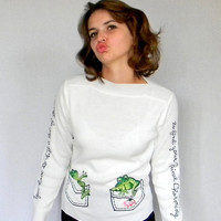 80s White Sweater. Toad Kiss Pullover by Cyn Les. Embroidered Toads Frogs. Size Small. Prince Charming. Fall fashion