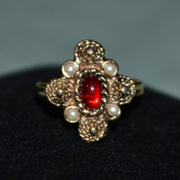 SaRAH COVENTRY Designer Vintage gold tone faux pearl and faux ruby ring adjustable size 5 6 7 8