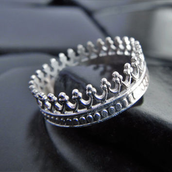 Sterling Silver Crown Ring, Silver Filligree Ring, Princess Ring, Tiara Ring, Queen Ring, Stacking Ring, Stackable Crown Ring, Wedding Ring