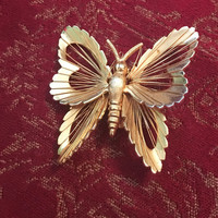 Monet Butterfly  Gold Pin, Monet Jewelry, Gold Butterfly Pin, Butterfly Jewelry, Butterfly Brooch, Vintage Butterfly Pin, Vintage Jewelry