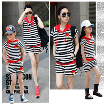 Hot SaleFamily Matching Clothes Mother Daughter Hoodies Sets Son Father Matching Outfits Black White Stripes Family Look