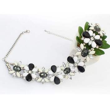 Black Flower Rhinestone Chunky Chain Necklace